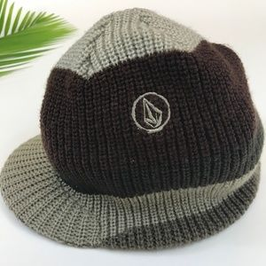 Volcom Beanie Hat With Visor Knitted One Size